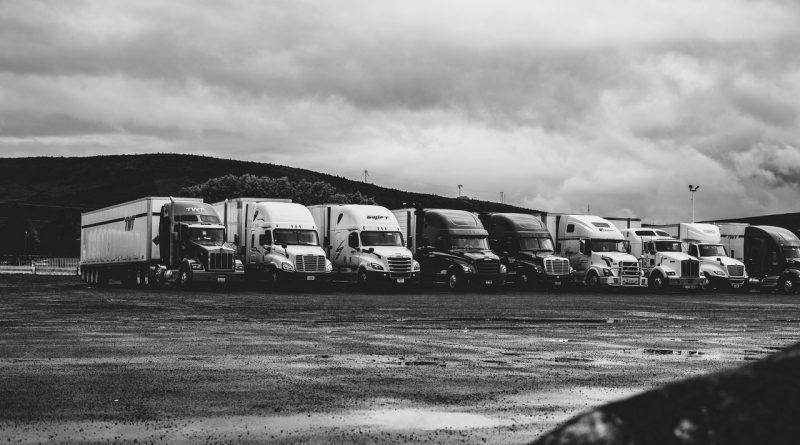 Camions garés